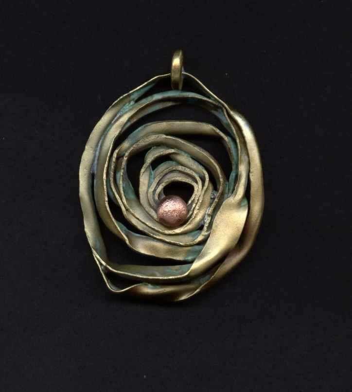 www.sanivia.pl #handmadejewelry #handmadejewellery #handmade #pendants #jewelryforwoman #neckaces #brass #cooper #Titanium  Mosiężna+miedziana+zawieszka+wisiorek+z+mosiądzu+i+miedzi+ręcznie+robiona+biżuteria+artystyczna