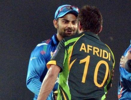 "Shahid Afridi has the ball on Kohli ""attack"" http://www.24by7sportsnews.com/2015/02/shahid-afridi-has-ball-on-kohli-attack.html"