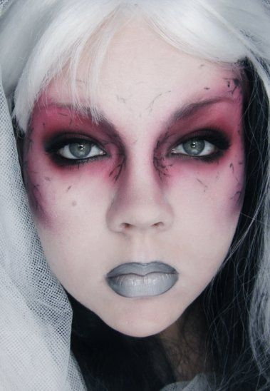 Halloween Eye Makeup Ideas | ... recognize this as MAC's Halloween face chart from few years back