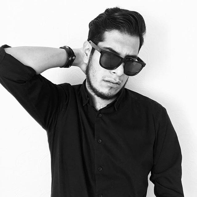 Si te gustan los excesos sólo bésame y verás lo que es revivir sin tener que dejar de existir. - Si te vas Mario Domm . . . #menswear #modellife #malemodels #modelling #fitmodel #supermodel #modelphotography #fashionmodel #modelingagency #testshoot #altmodel #modeltest #instamodel #fashionmodels #fashioneditorial #modelscout #photomodel #internationalmodel #modelmanagement #alternativemodels #Chanel #sunglasses #streetwear #rudeboy #badboy #dirtyboy