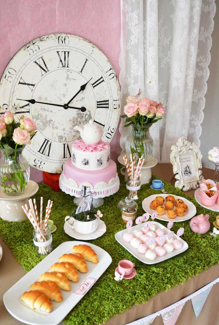 Alice in Wonderland party. Perfect for a little girls birthday party or even a bridal shower shower
