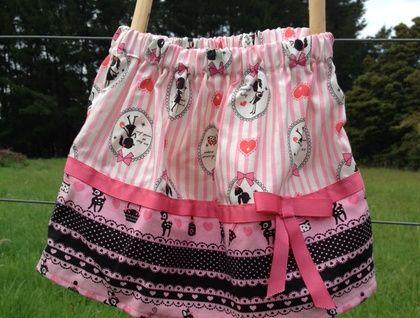 Retro print skirt 3 years (approx)