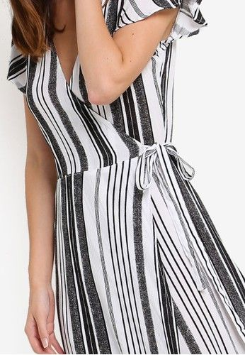 Woven Lucy Wrap Maxi Dress from Cotton On in black_3