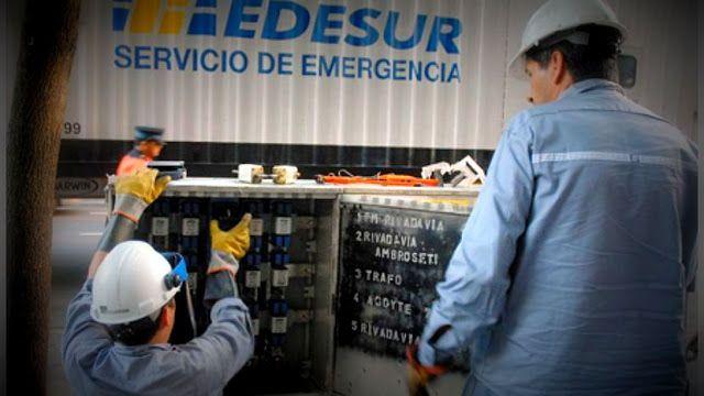 """El ENRE reglamentó la entrega de grupos electrógenos para los electrodependientes   En el día de hoy el Ente Nacional Regulador de la Electricidad (ENRE) reglamentó la entrega de grupos electrógenos. Aprobó """"el Reglamento Técnico para la Provisión de una Fuente Alternativa de Energía (FAE) para los electrodependientes incorporados en el Registro de Electrodependientes por Cuestiones de Salud (RECS) creado por el MINISTERIO DE SALUD DE LA NACIÓN"""" (Art. 1)EDENOR S.A. y EDESUR S.A. deberán…"""