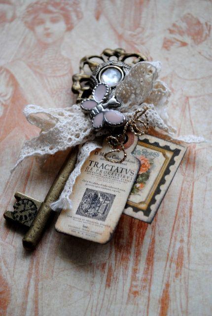Le' romantique Altered Key
