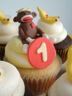 15 Incredibly Decorated Cupcakes