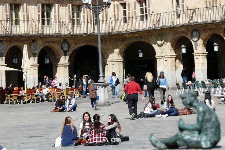 Plaza Mayor de Salamanca, donde #EsculturasMorla estuvo con sus #FigurasEnBronce en concreto con Lazarillo