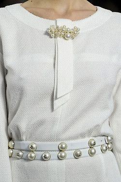 Glamorous Chic Life. Pearl belt and pin