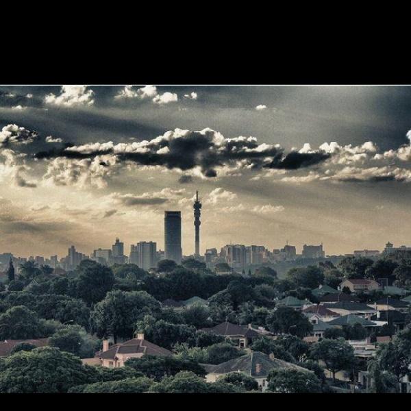 Baie Kapenaars is maar skrikkerig vir Jozi, maar dis 'n stad wat ek regtig geniet. Ja, hier werk mens nogal hard, maar die stad bied heelwat speelplek. In 2014 wil ek al die uithoeke van Johannesburg leer ken.