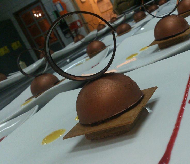 Media esfera de chocolate