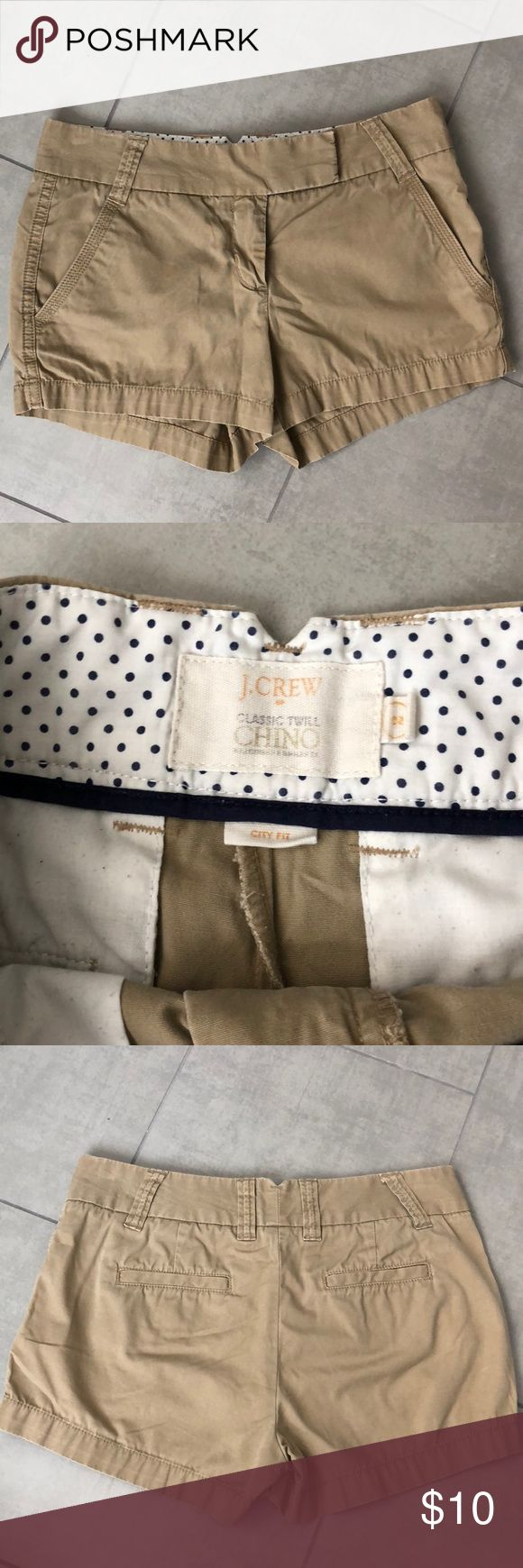 "J. Crew Women's City Fit Chino Khaki Shorts Perfect for summer! J Crew city fit chino shorts in EUC. No stains, tears or holes. Khaki color. 3"" inseam J. Crew Shorts"