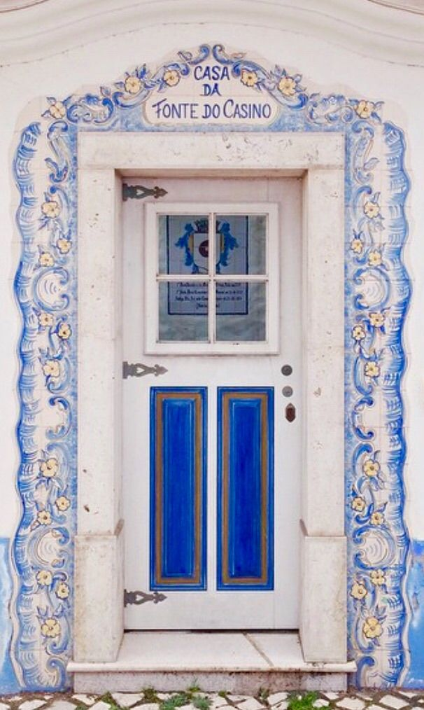 Ericeira beautiful azulejo window frame detail , Portugal·