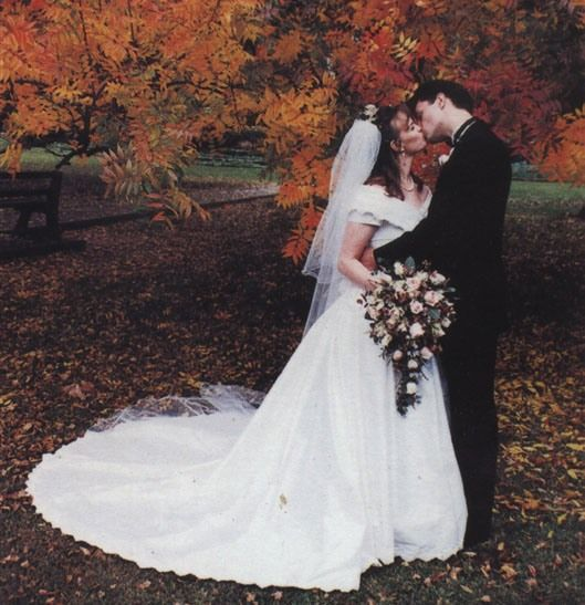 A couple on their wedding day at Wharoonga Park, love this photo