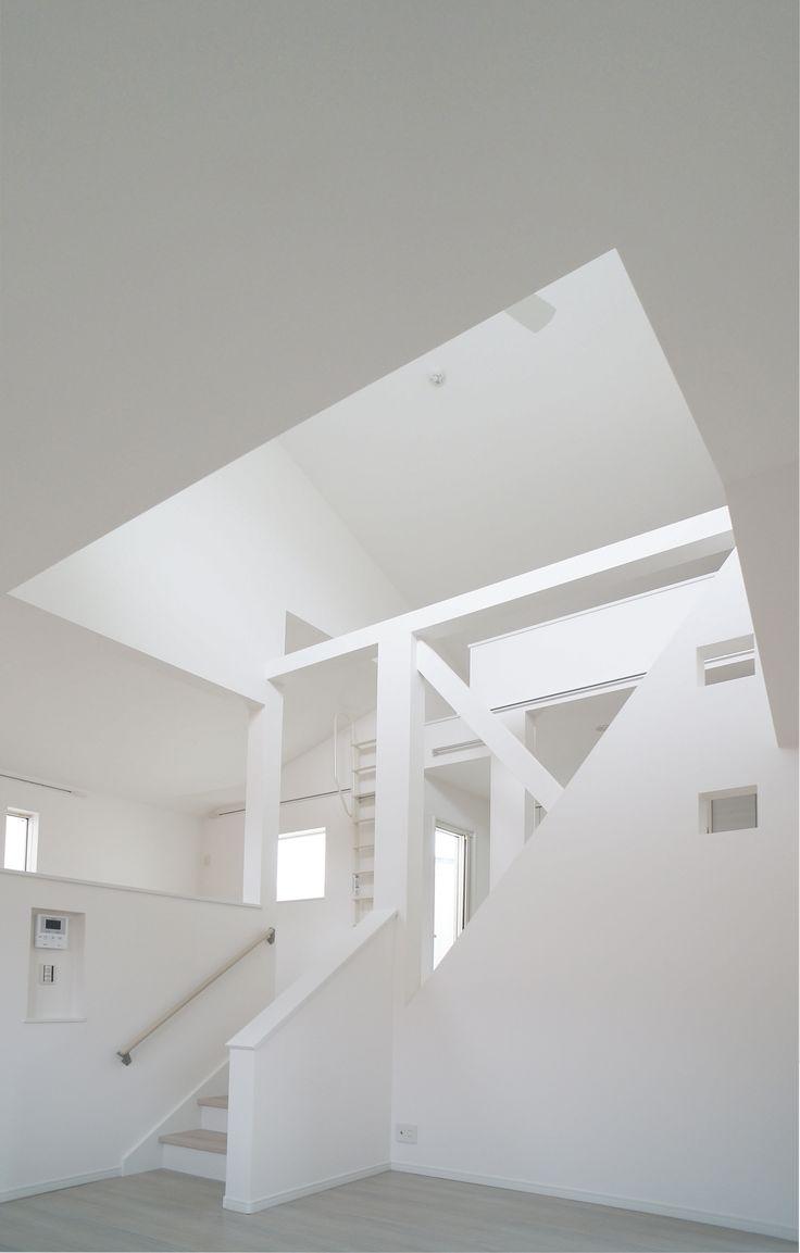 町田の住宅 1 白いインテリア