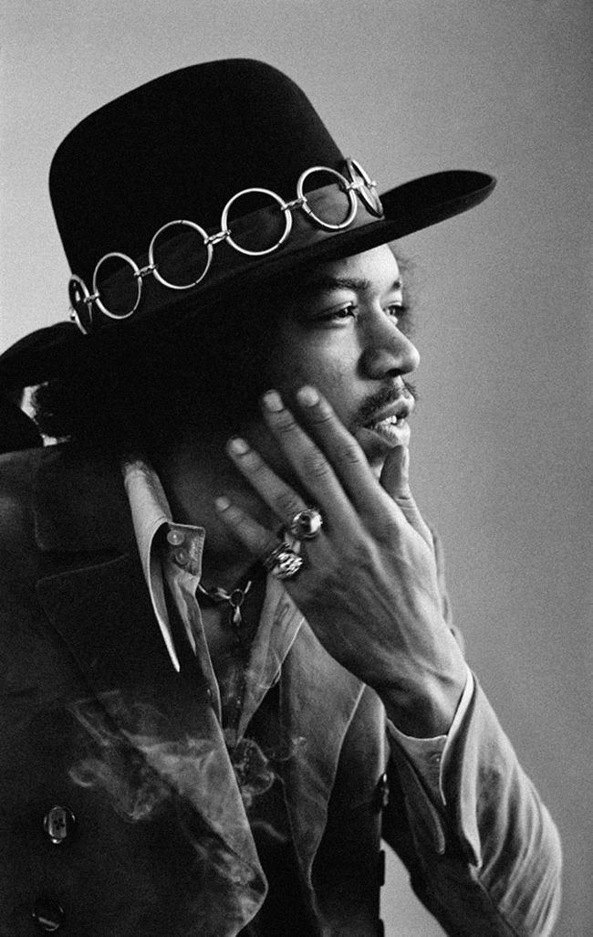 Hendrix... My idol.:) love this man, and what he did for rock and roll. :)