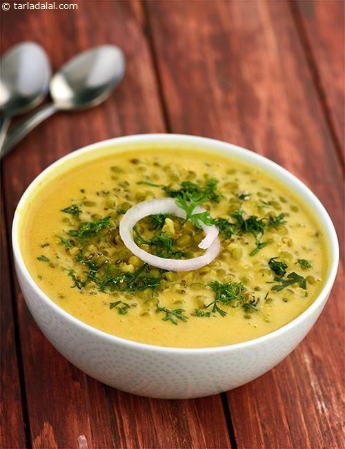 Khatta Moong ( Gujarati Recipe) recipe | Gujrati Recipes | by Tarla Dalal | Tarladalal.com | #617
