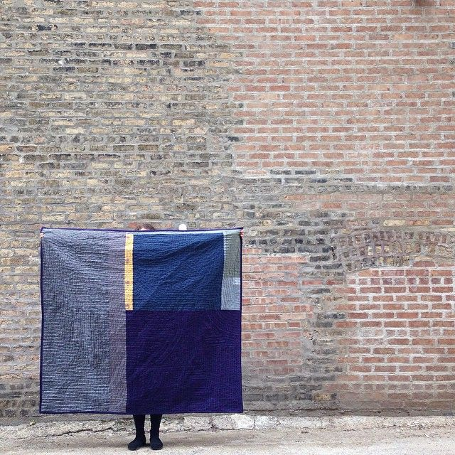 """Heidi Parkes and her quilt, """"Night and Day,"""" in Chicago. #quilt #handquilted"""