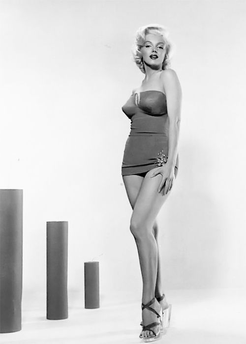 """""""Marilyn Monroe photographed by Bert Reisfeld, 1953. """""""