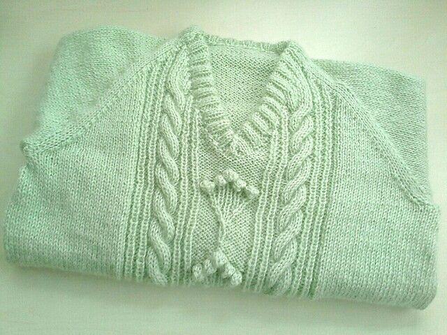 Green knitting pullover