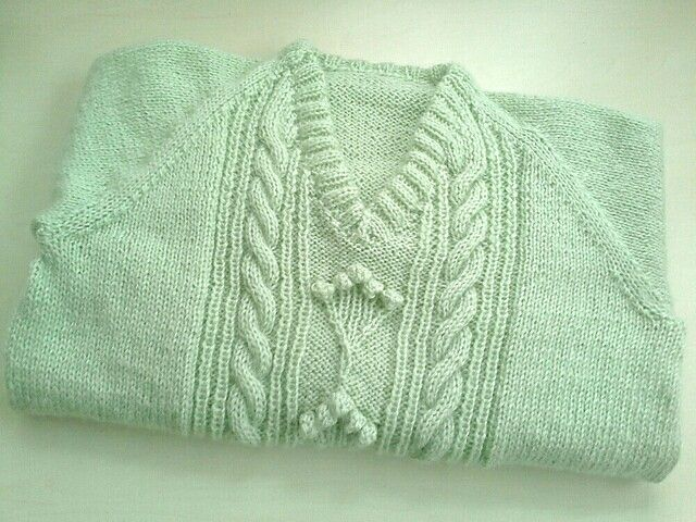 Green knitting pullover