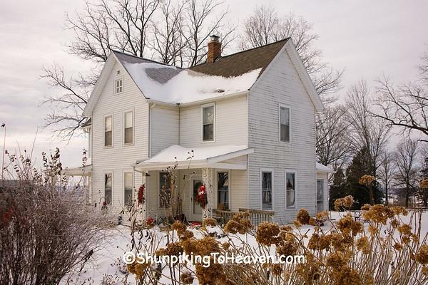 1910 farmhouse, Dane county, Wisconsin (photo by Joann M. Ringelstetter)