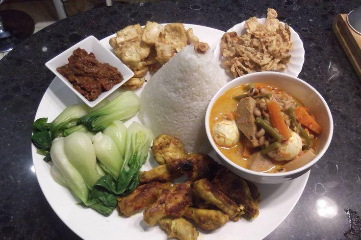 Traditional Javanese rural feast at A Taste of Rasa Sayang  Steamed rice, sayur lodeh, ayam panggang, fried tofu, ikan balur, sambal pedas and steamed pak choi a la Yayu