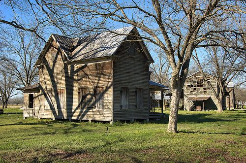 farmhouse plans with porches 17 best images about abandoned houses on 17528