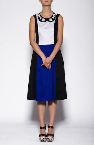 http://eponymo-shop.gr/en-us/DONNA/CLOTHING/LOVE_MOSCHINO_DRESS.ashx?ProductId=13488&GroupId=49&AvailabilityId=1