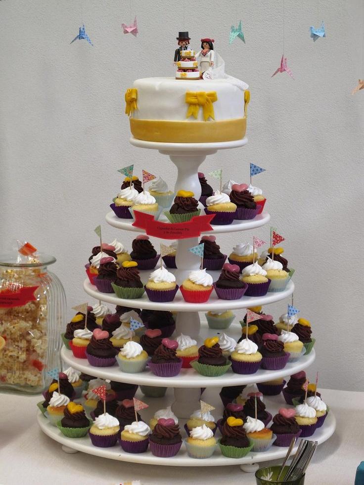 Cupcake wedding cake with playmobil