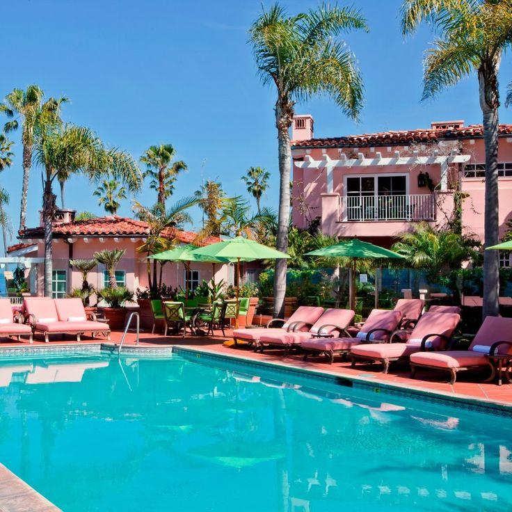 La Valencia Hotel—La Jolla, California. #Jetsetter