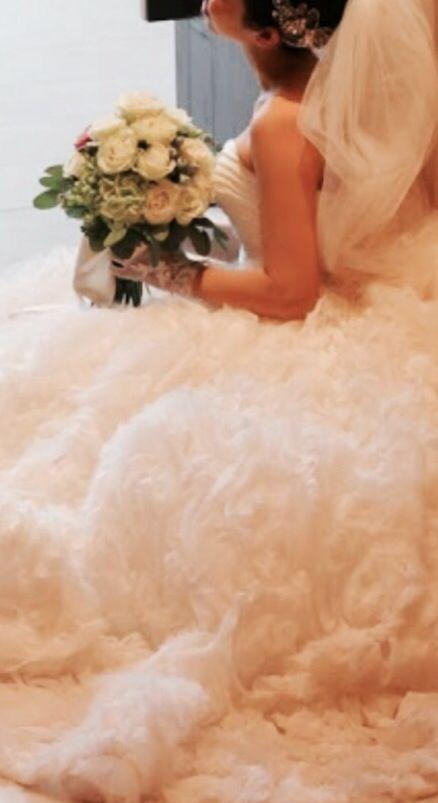 my wedding dress,mirte antony