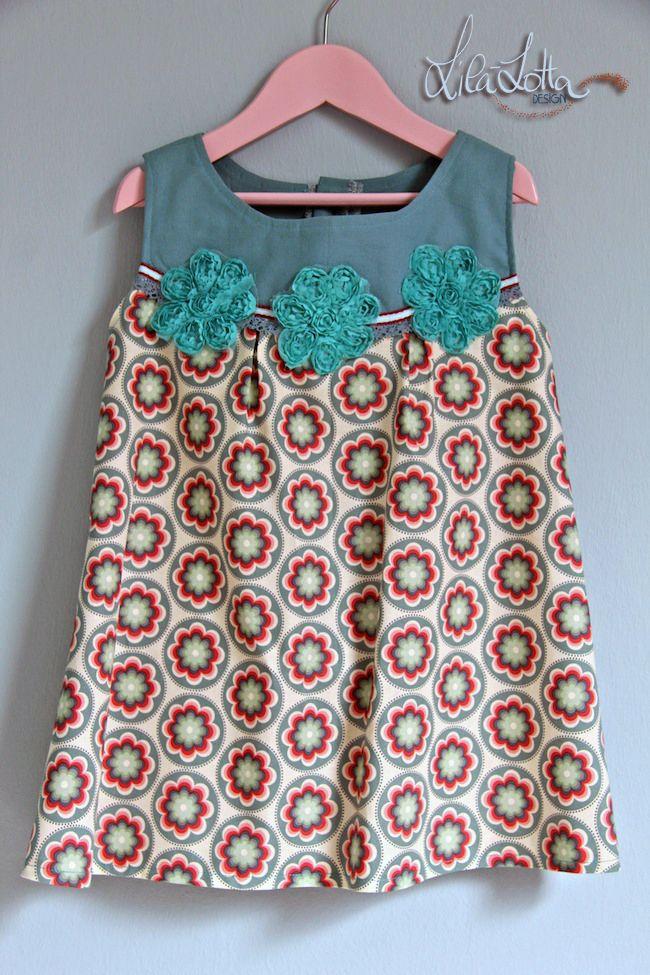 Blümchen Stickserie mit vielen Beispiele und die Tasche ist von Gretelies. Die Kinderbluse ist aus der Burda