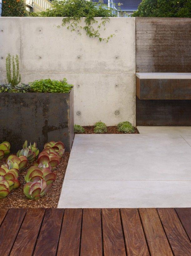 tuin-ideeën | stoere combinatie tussen hout, beton en cactus Door Pleuntjesblog