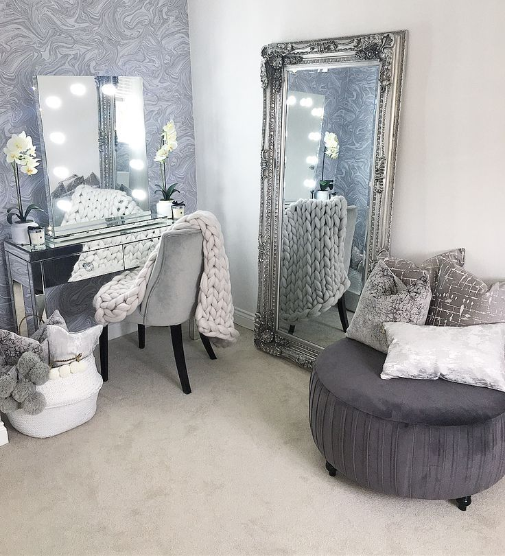 The new mirror and pouf has arrived as happy as this room   – Dekoration Ideen