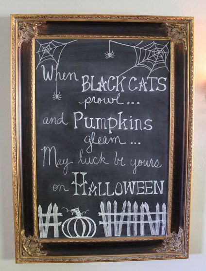 Halloween chalkboard....design ideas for bulletin board at school.
