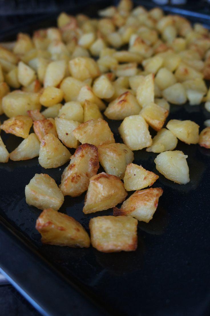 Des pommes de terre au four juste délicieuses. Cette recette est réalisée au…