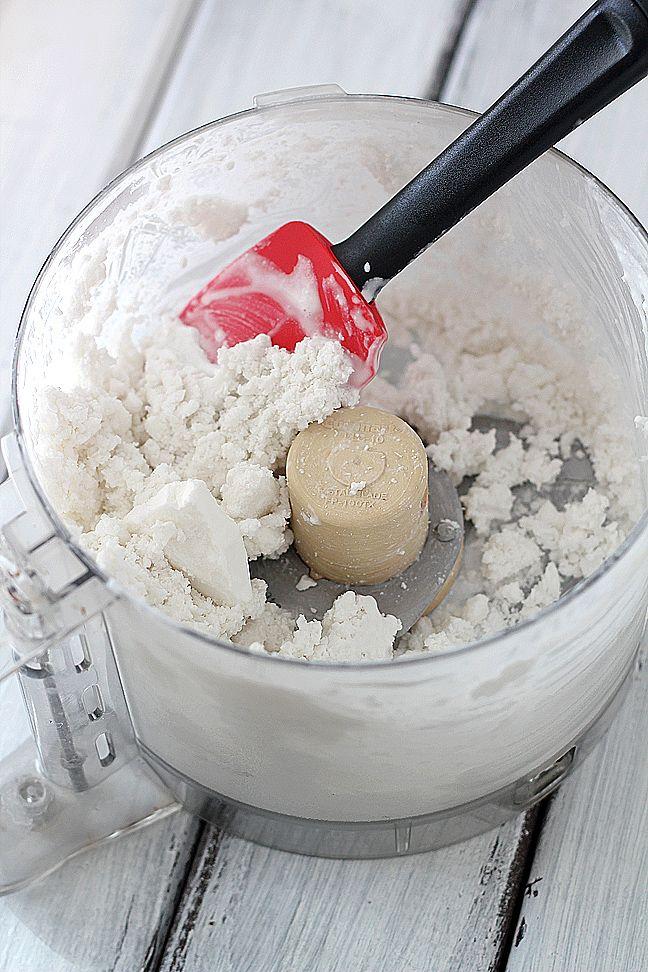 Sugar-Free Dairy-Free Coconut Vanilla Ice Cream. No Ice cream maker needed. Make it in the food processor.