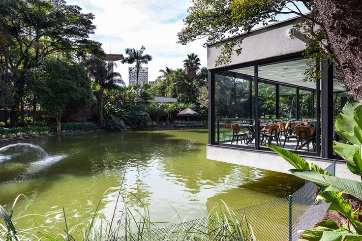 Glassy Japanese Restaurant Floating Above a Lake in Sao Paulo - http://www.interiordesign2014.com/interior-design-ideas/glassy-japanese-restaurant-floating-above-a-lake-in-sao-paulo/