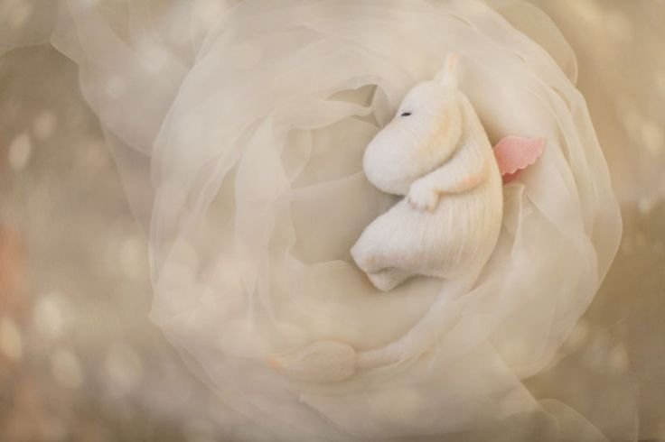 Купить Крылатые - белый, крылья, полет, летать, сказка, Туве Янссон, Муми-тролль