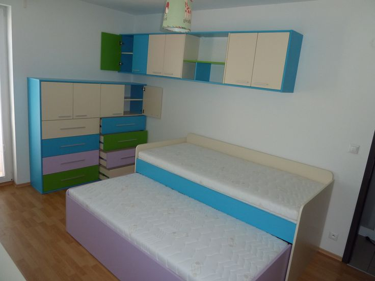detská izba v pestrých farbách/child room