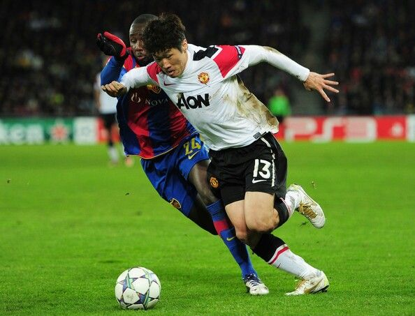 Park Ji Sung is and will always be one of my favorite soccer players. Too bad he's not playing in the FIFA World Cup in Brazil....Korea Represent!!