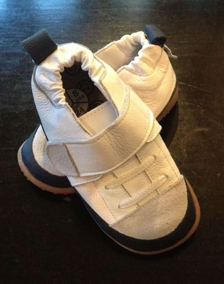 SHOOSHOOS rubber-soled, velcro-closing toddler boy's trainers. Made in Cape Town. A Proudly South African product (R199)