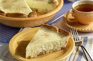 Cream-cheesy like a cheesecake and yummy with coffee and ladyfingers like a tiramisu, this easy and elegant pie is ready for the oven in just 15 minutes.