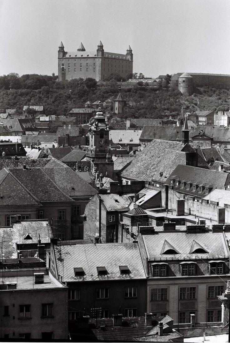 Pozrite si, ako vyzeral Bratislavský hrad na starých fotografiách   Vizuálne umenie   kultura.sme.sk