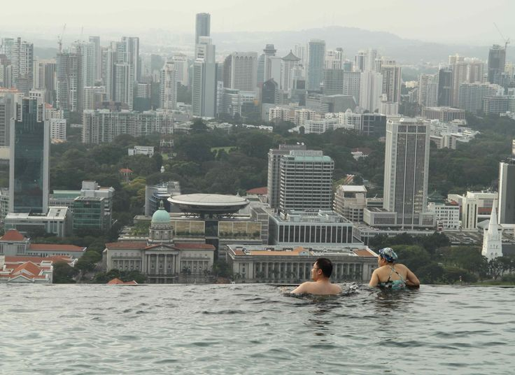 Singapore's Marina Bay Sands Hotel: The awesomest infinity pool