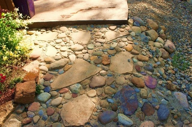 Rock garden ideas photos for Landscaping rock evansville in
