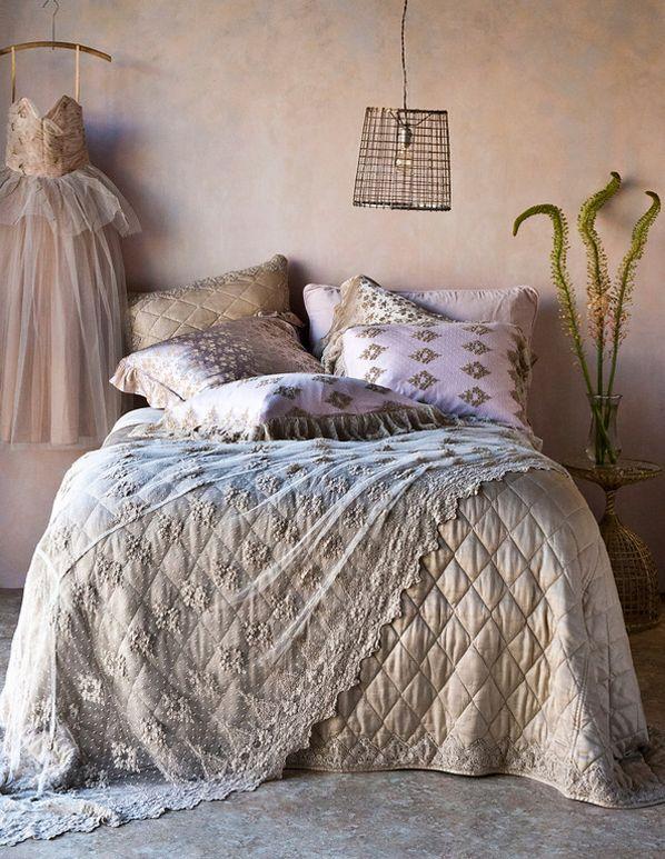 Have to sleep one night there!: Romantic Bedrooms,  Comforter,  Puff, Beds Linens, Bellanott, Nott Linens, Bedrooms Ideas, Bella Nott, Chic Bedrooms
