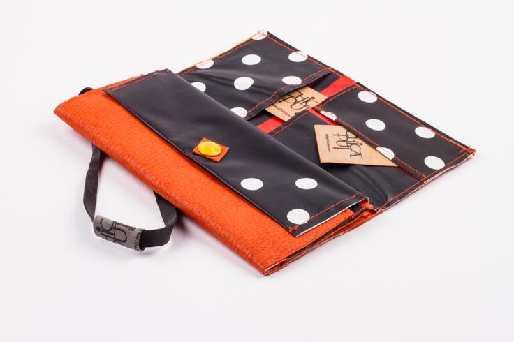 orange wallet – www.chicapui.com