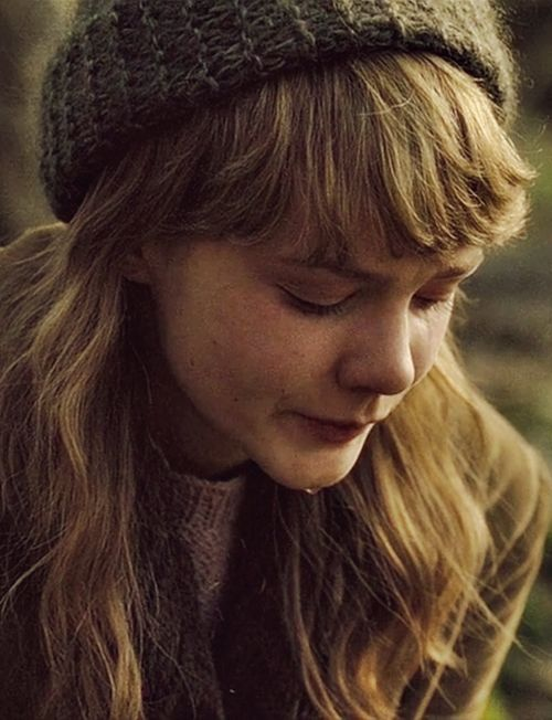 Carey Mulligan as Kathy H. in 'Never Let Me Go'.    why am i not you.