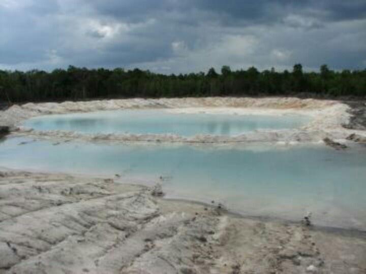 Kaolin mining at Badau.